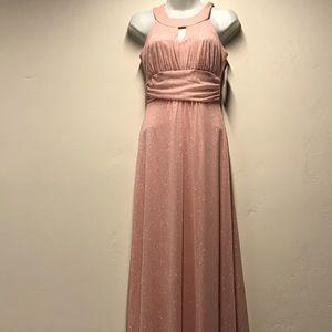 Dresses & Skirts - NWT junior size dress M